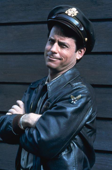 Bob Crane (Greg Kinnear) ist ein erfolgreicher Radio-DJ und führt in den 60er-Jahren das solide Leben eines amerikanischen Mittelstands-Familienvat... - Bildquelle: 2003 Sony Pictures Television International