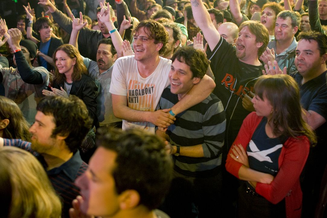Mit seinem neuen Freund Sidney (Jason Segel, l.) holt Peter (Paul Rudd, r.) alles nach, was eine echte Männerfreundschaft ausmacht. Allerdings finde... - Bildquelle: (2009) DW STUDIOS L.L.C. ALL RIGHTS RESERVED