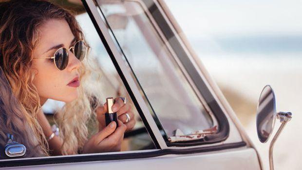 Pflegende Wirkung und deckende Farbe – welche Lippenstifte gehören in 2021 zu...