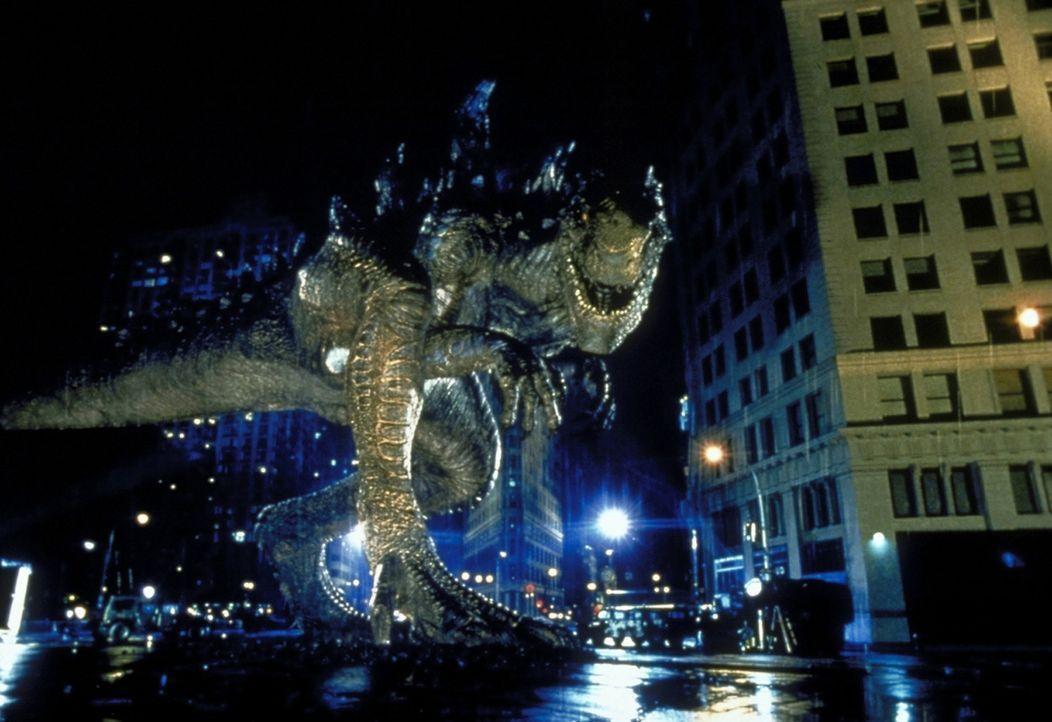 Weil Godzilla in Manhattan alles kurz und klein trampelt, rückt das Militär an. Doch die Soldaten scheinen gegen das Riesenreptil nichts anrichten... - Bildquelle: 1998 TriStar Pictures, Inc. All Rights Reserved.