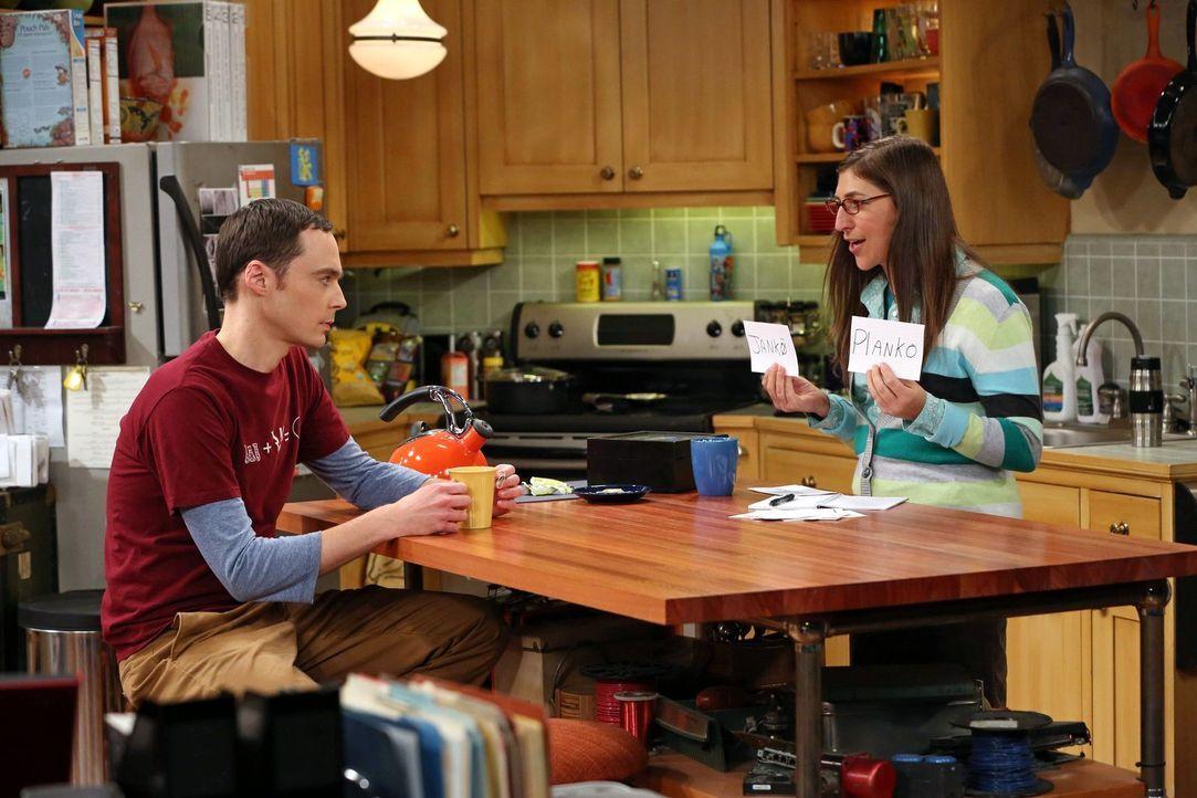 Führen eine etwas seltsame Beziehung: Sheldon (Jim Parsons, l.) und Amy (Mayim Bialik, r.) ... - Bildquelle: Warner Bros. Television