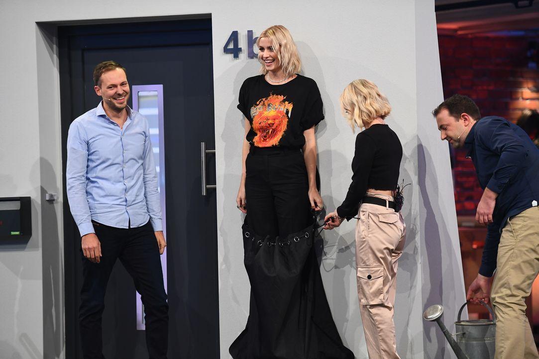 (v.l.n.r.) Thomas Singer; Lena Gercke; Janin Ullmann; Josef Singer - Bildquelle: Willi Weber ProSieben / Willi Weber