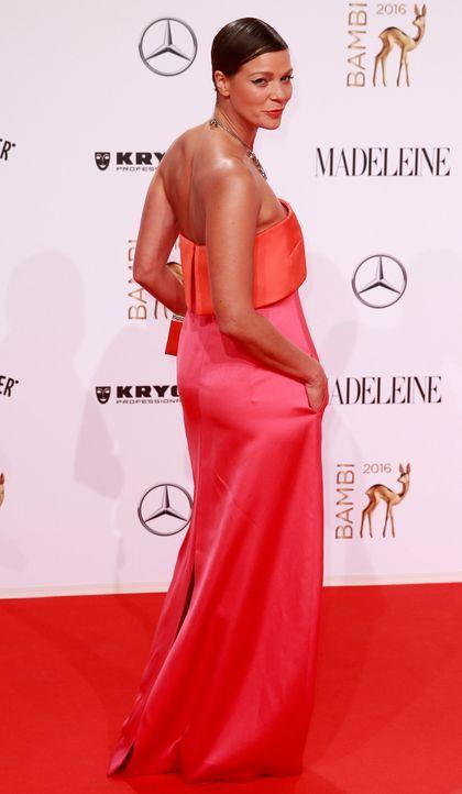 Bambi-Roben-Jessica-Schwarz-AFP - Bildquelle: AFP