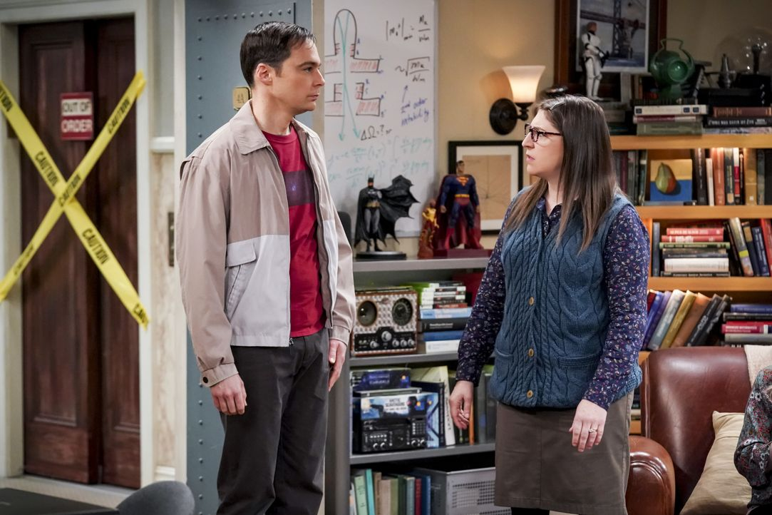 Sheldon Cooper (Jim Parsons, l.); Amy Farrah Fowler (Mayim Bialik, r.) - Bildquelle: Sonja Flemming 2019 CBS Broadcasting, Inc. All Rights Reserved / Sonja Flemming