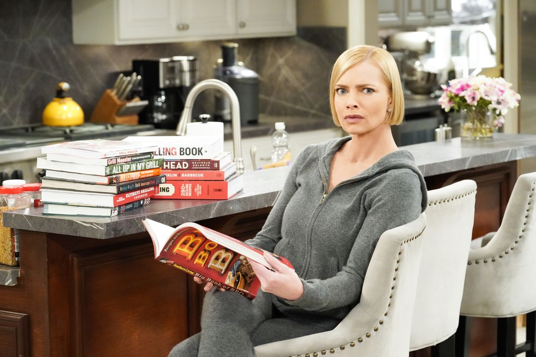 Jill (Jaime Pressly) - Bildquelle: Warner Bros. Entertainment, Inc.