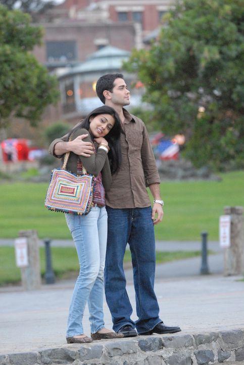 Ihre Liebe scheint perfekt: Priya R. Sethi (Shriya Saran, l.) und Granger Woodruff (Jesse Metcalfe, r.) - Bildquelle: 2008 OEL Productions, INC. All Rights Reserved.
