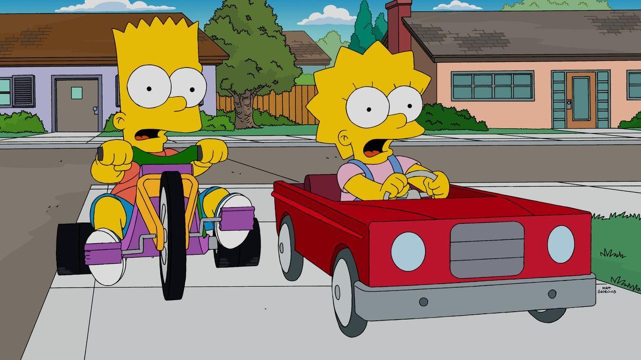 Während Homer und Marge zu Hause vor Sorge durchdrehen, haben Lisa (r.) und Bart (l.) ganz andere Probleme ... - Bildquelle: 2014 Twentieth Century Fox Film Corporation. All rights reserved.