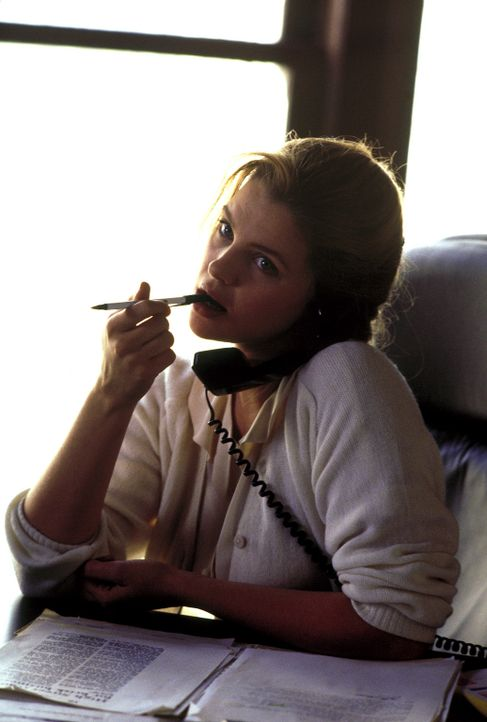 Die attraktive Sara Robbins (Traci Lind) fällt einem infamen Komplott zum Opfer ... - Bildquelle: A. Pachasa ProSieben