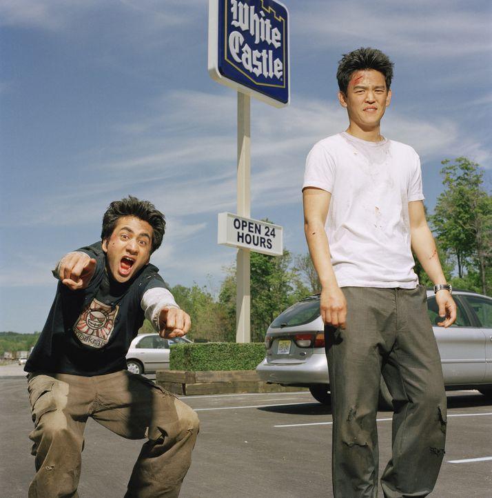 Der Trip zum Burgergrill in Downtown New York gerät für Harold (John Cho, r.) und Kumar (Kal Penn, l.) zu einer Odyssee voller Peinlichkeiten ...