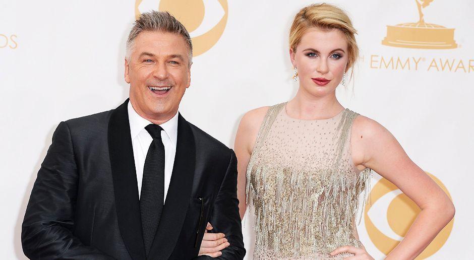 Emmy-Awards-Alec-Baldwin-Ireland-Baldwin-13-09-22-dpa - Bildquelle: dpa