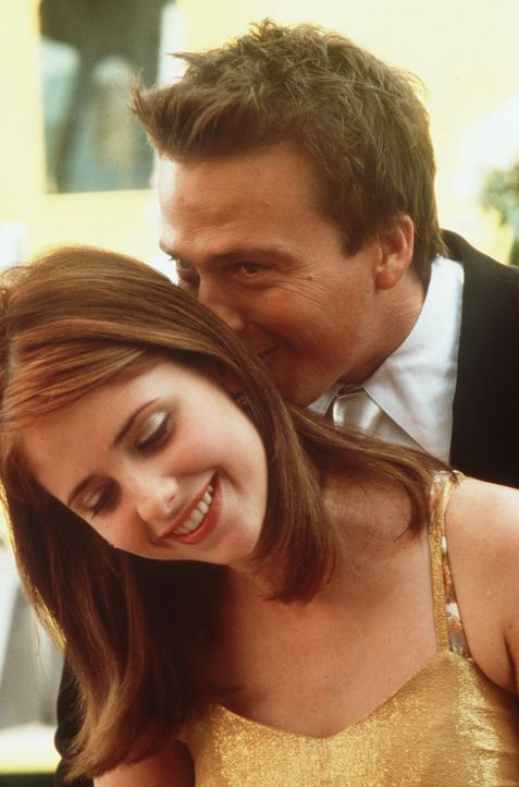 Liebe geht durch den Magen: Amanda (Sarah Michelle Gellar, l.) verzaubert Tom (Sean Patrick Flanery, r.) mit ihrem Dessert à la Amanda ... - Bildquelle: 20th Century Fox