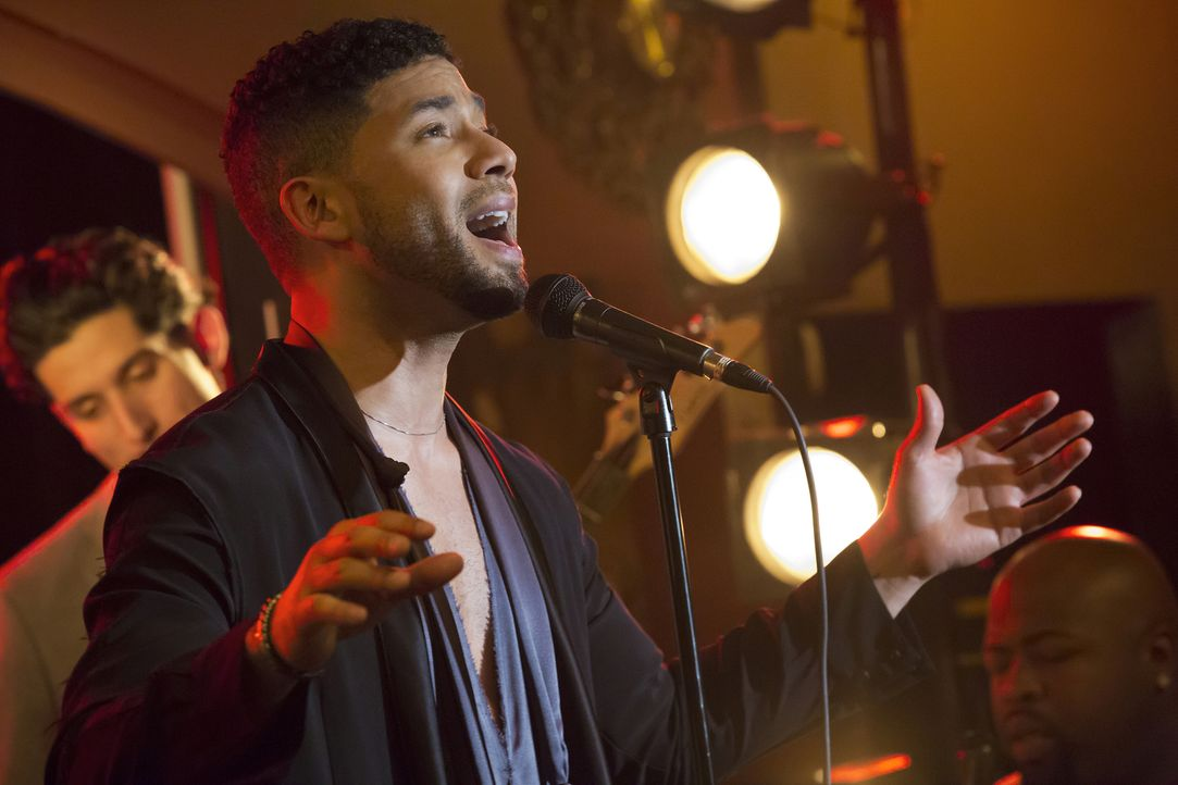 Nachdem Lucious gegen ihn vorging, gibt Jamal (Jussie Smollett) ein Spontankonzert in seinem alten Lieblingscafé ... - Bildquelle: Chuck Hodes 2015-2016 Fox and its related entities.  All rights reserved.