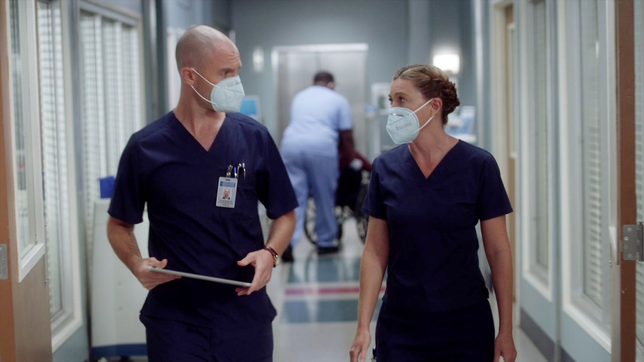 Dr. Cormac Hayes (Richard Flood, l.); Dr. Meredith Grey (Ellen Pompeo, r.) - Bildquelle: 2020 American Broadcasting Companies, Inc. All rights reserved.