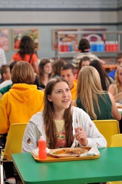 Sie will unbedingt ins Nachrichten-Team ihrer Schule aufgenommen werden: angehende Nachrichtensprecherin Sue (Eden Sher) ... - Bildquelle: Warner Brothers