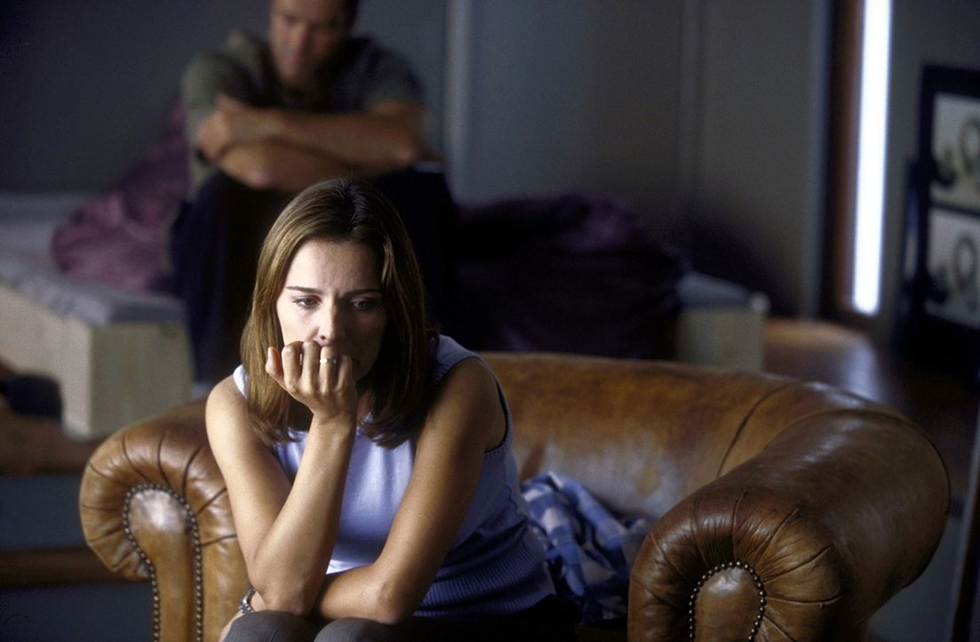 Britt (Désirée Nosbusch, vorne) weiß nicht mehr, wie es weitergehen soll. Zu Hause warten Mann und Kinder - im fernen Amsterdam aber lebt Alex (H... - Bildquelle: ProSieben