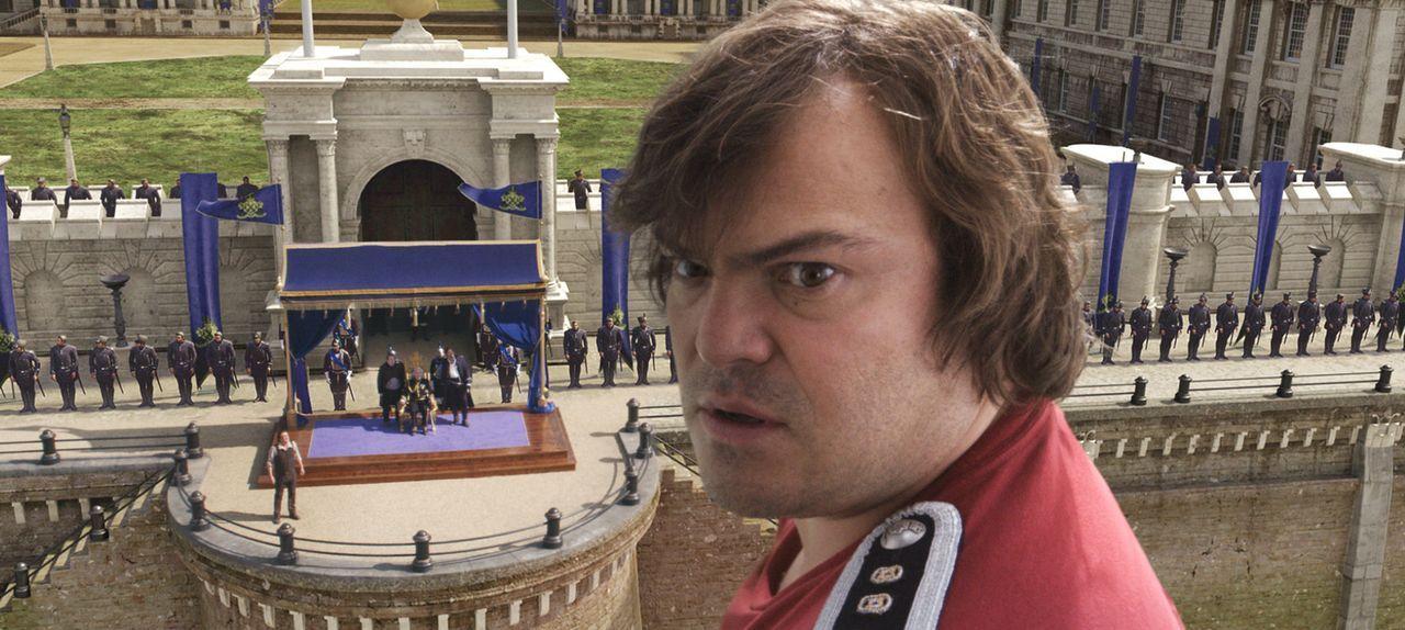 Als Lemuel Gulliver (Jack Black) die Ehre zuteilwird, dass er der königlichen Familie von Liliput gegenübertreten darf, muss er aufpassen nichts fal... - Bildquelle: Murray Close TM and   2010 Twentieth Century Fox Film Corporation.  All rights reserved.  Not for sale or duplication.