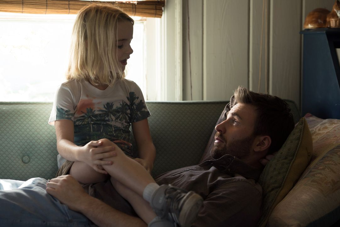 Mary Adler (Mckenna Grace, l.); Frank Adler (Chris Evans, r.) - Bildquelle: 2017 Twentieth Century Fox Film Corporation. All rights reserved.