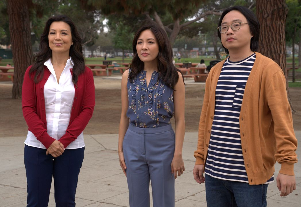 (v.l.n.r.) Elaine (Ming-Na Wen); Jessica Huang (Constance Wu); Horace (Jimmy O. Yang) - Bildquelle: 2018-2019 American Broadcasting Companies.  All rights reserved.