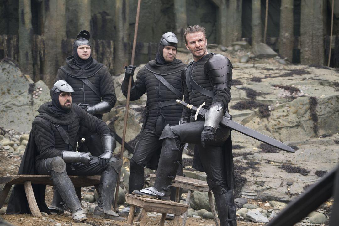 Trigger (David Beckham, r.) - Bildquelle: Warner Bros.