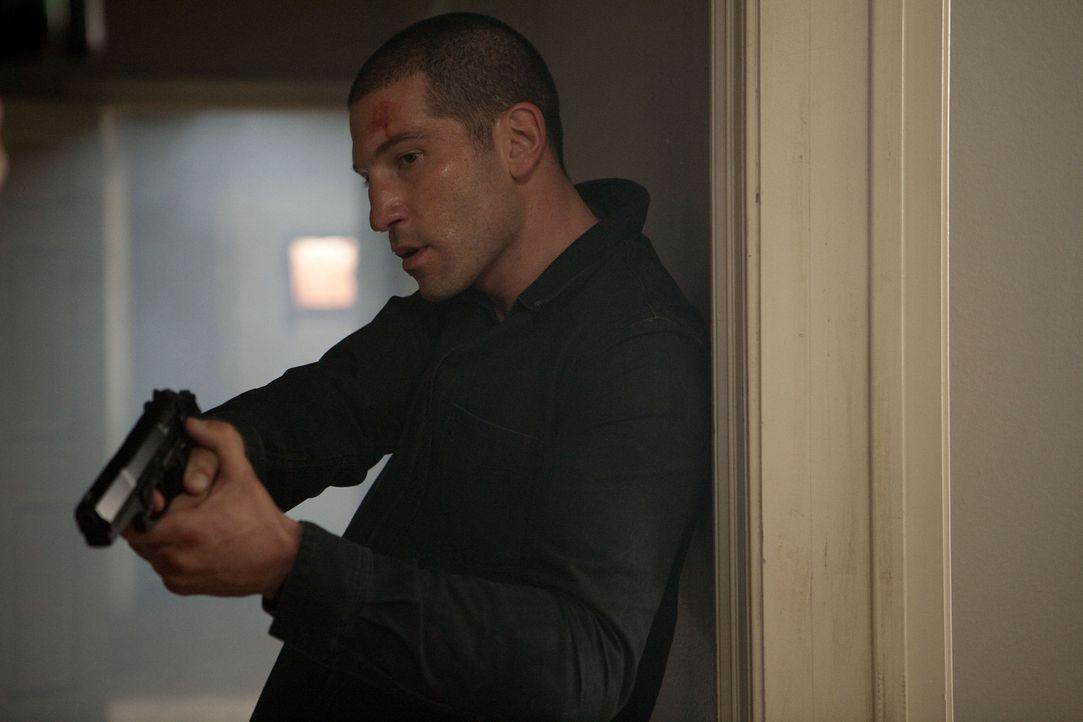 Eigentlich wollte Johns Mitarbeiter Daniel (Jon Bernthal) endlich raus aus dem Drogenmilieu, doch dann braucht sein Chef dringend seine Hilfe ... - Bildquelle: TOBIS FILM
