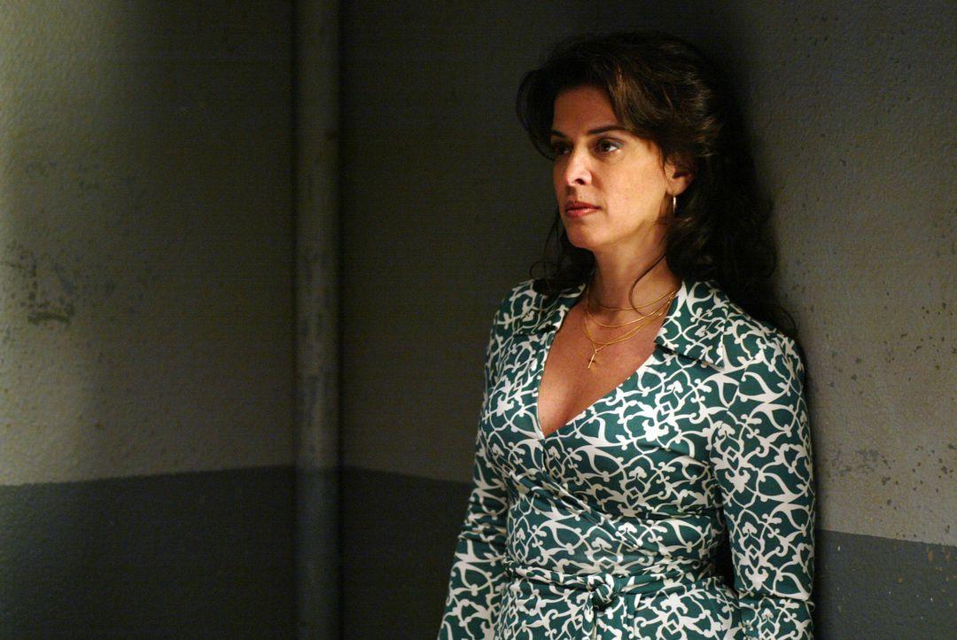 DiNorsios Ex-Frau (Annabella Sciorra) begreift erst beim Besuch ihres Ex-Mannes, dass er tatsächlich ein kaltblütiger und gewissenloser Mafioso ist... - Bildquelle: 2006 Yari Film Group Releasing, LLC