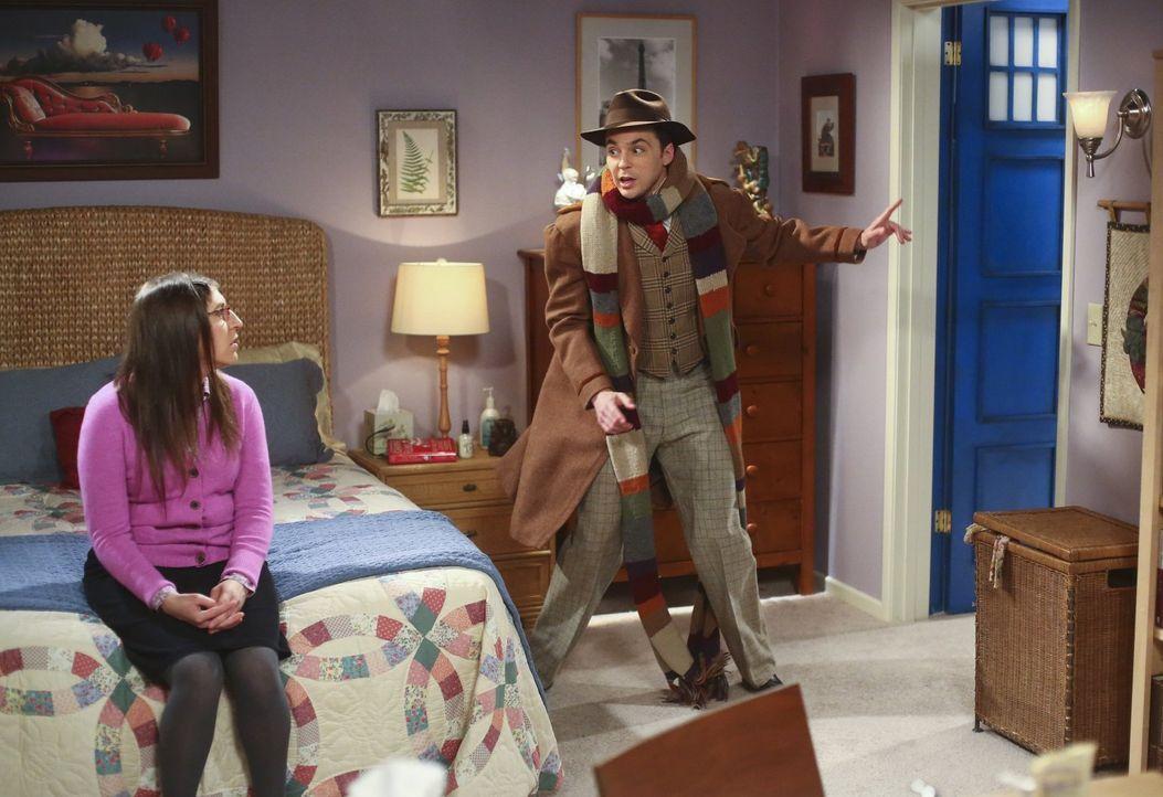 Während sich Sheldon (Jim Parsons, r.) gemeinsam mit Leonard auf den Weg macht zu einer Vorlesung nach Berkeley macht, gerät Amy (Mayim Bialik, l.)... - Bildquelle: Warner Bros. Television