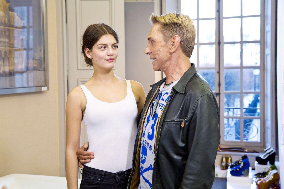 GNTM-Stf10-Epi14-Fashion-Week-Paris-074-Vanessa-ProSieben-Richard-Huebner - Bildquelle: ProSieben/Richard Huebner