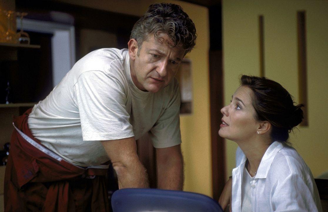 Ein Herz und eine Seele? Nach 20 Jahren Ehe sind bei Britt (Désirée Nosbusch, r.) und David (Dominic Raacke, l.) die Gefühle füreinander etwas a... - Bildquelle: ProSieben