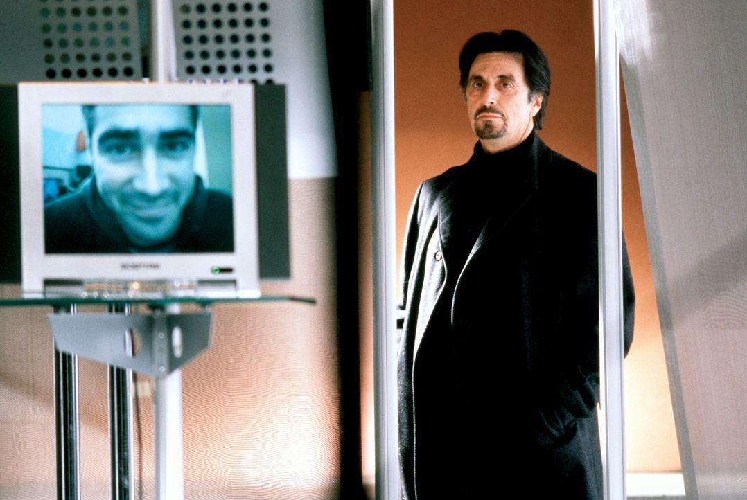 Kurze Zeit nachdem er ihn wegen Nichteignung entlassen hat, taucht CIA-Ausbilder Walter Burke (Al Pacino) mit einem undurchsichtigen Auftrag bei Jam... - Bildquelle: Kerry Hayes SPYGLASS ENTERTAINMENT GROUP.LP.ALL RIGHTS RESERVED
