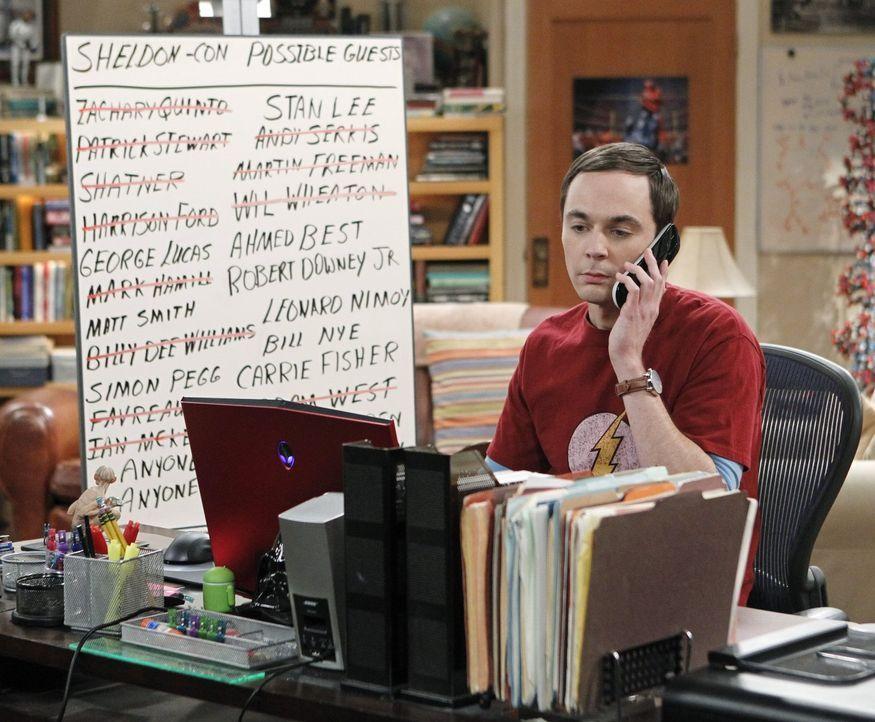 Nachdem es den Jungs nicht gelungen ist, Karten für die Comic Con zu ergattern, beschließt Sheldon (Jim Parsons), seine eigene Messe abzuhalten, und... - Bildquelle: Warner Brothers