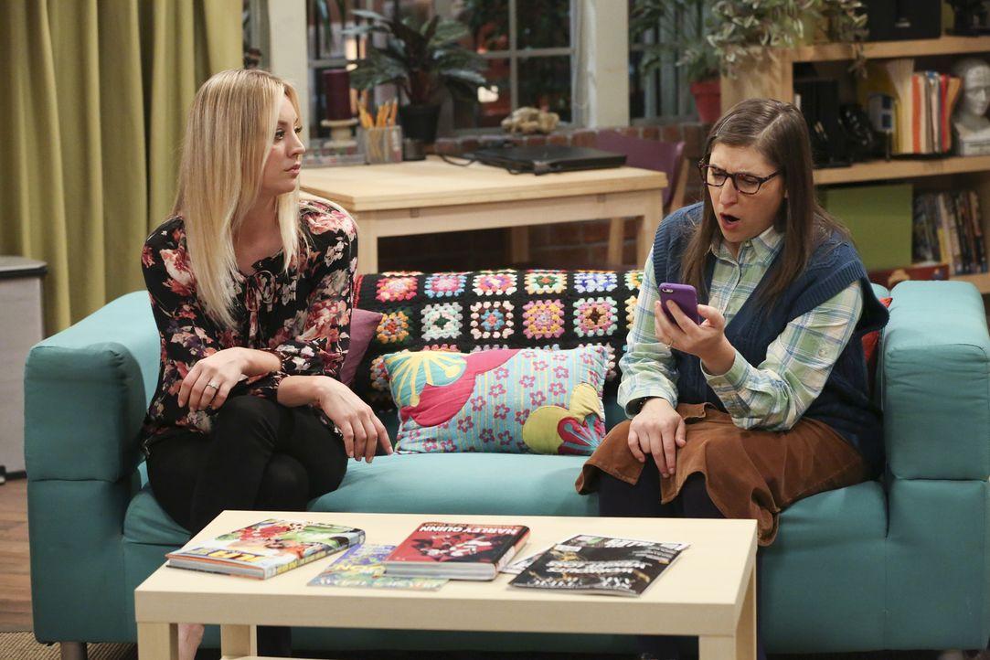 Sind in Fashion-Themen nicht immer derselben Meinung: Penny (Kaley Cuoco, l.) und Amy (Mayim Bialik, r.) ... - Bildquelle: Warner Bros. Television