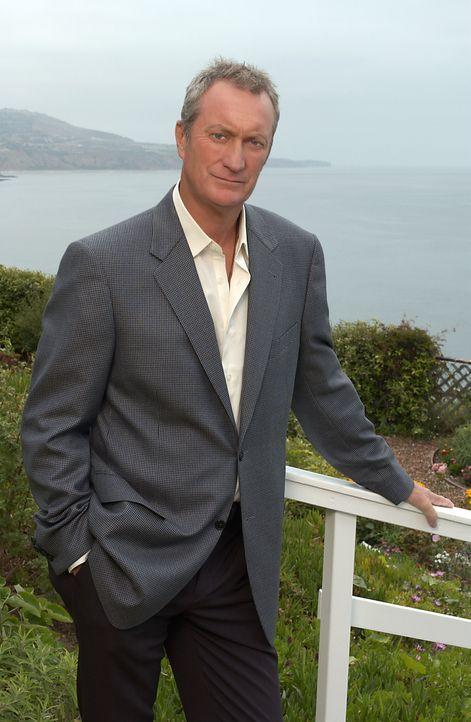 Versucht seine Jugendliebe 25 Jahre später noch einmal zu erobern: Hal Thorne (Bryan Brown) ... - Bildquelle: 2004 Sony Pictures Television Inc. All Rights Reserved.