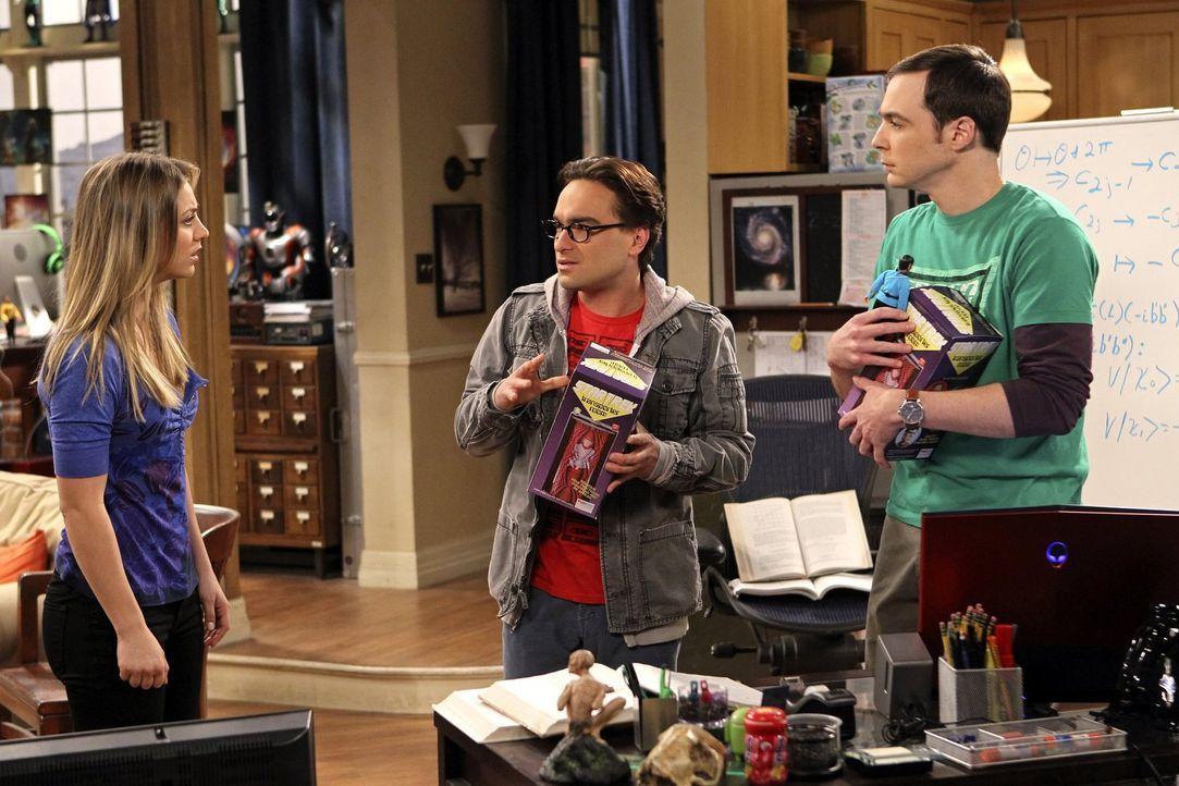 Nachdem Sheldon (Jim Parsons, r.) eine bissige Bemerkung darüber macht, dass sich Penny (Kaley Cuoco, l.) immer auf ihre Kosten durchfuttert, überra... - Bildquelle: Warner Bros. Television