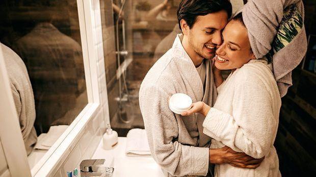 Hautpflege ist das A und O für eine schöne, gesunde und glänzend feine Haut -...