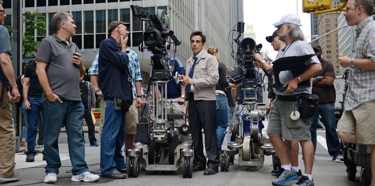 Ben Stiller bei den Dreharbeiten - Bildquelle: 2013 Twentieth Century Fox Film Corporation.  All rights reserved.