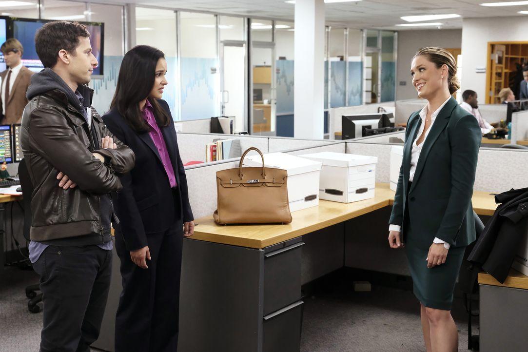 (v.l.n.r.) Jake Peralta (Andy Samberg); Amy Santiago (Melissa Fumero); Keri Brennan (Briga Heelan) - Bildquelle: Trae Patton 2019 UNIVERSAL TELEVISION LLC. All rights reserved. / Trae Patton