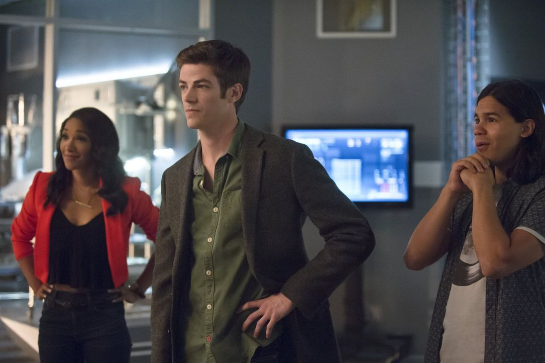 Nachdem sie schon bei Dr. Wells falsch lagen, wollen Iris (Candice Patton, l.), Barry (Grant Gustin, M.) und Cisco (Carlos Valdes, r.) nicht noch ei... - Bildquelle: 2015 Warner Brothers.
