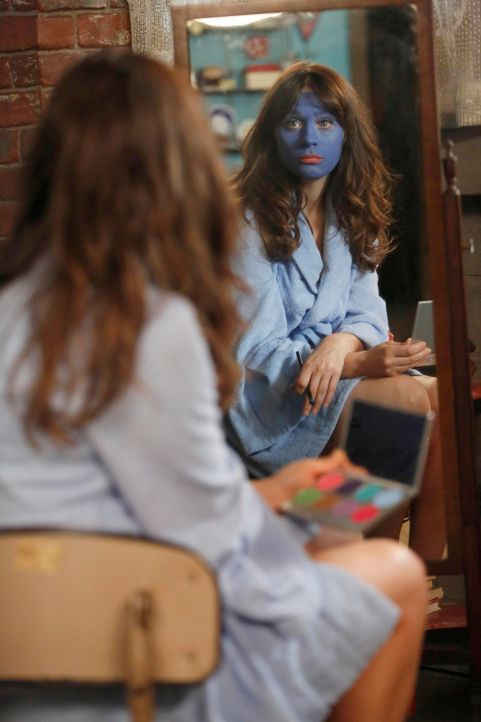 Verzweifelt versucht Jess (Zooey Deschanel) mit ihrem Freund über ihre Gefühle zu sprechen und stößt dabei auf eine Abfuhr nach der anderen ... - Bildquelle: TM &   2013 Fox and its related entities. All rights reserved.