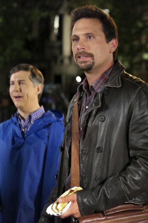 Ein ganz besonderer Trip nach New York wartet auf George (Jeremy Sisto, r.) und Fred (Chris Parnell, l.) ... - Bildquelle: Warner Bros. Television