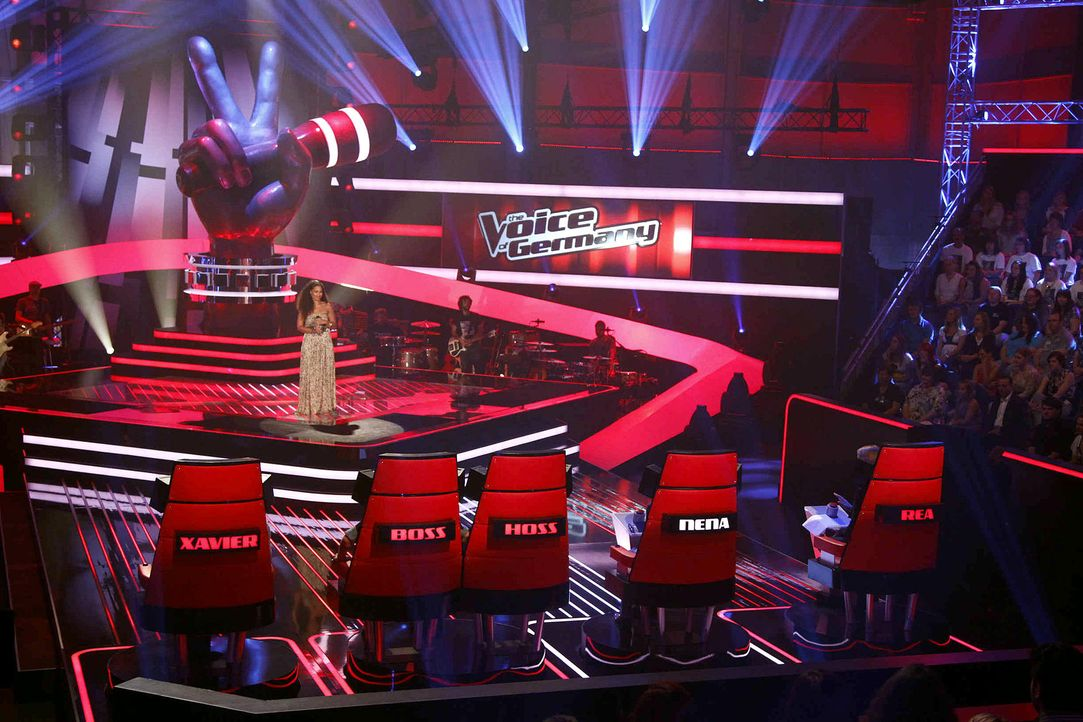 nathalie-02-the-voice-of-germany-staffel-2-epi03-showjpg 1950 x 1300 - Bildquelle: SAT.1/ProSieben/Richard Hübner