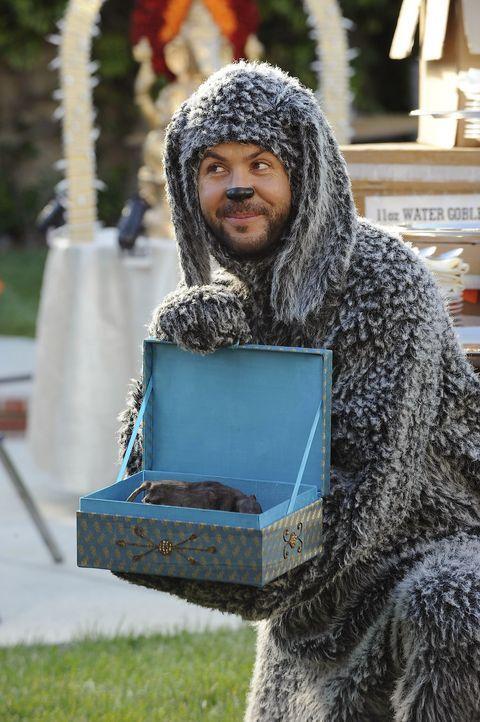 Ein Überraschungsangriff jagt den nächsten: Wilfred (Jason Gann) - Bildquelle: 2011 FX Networks, LLC. All rights reserved.