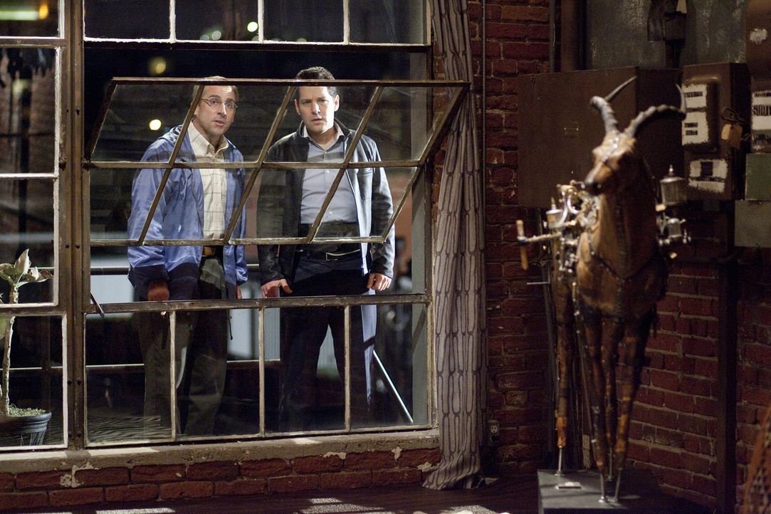 Schon bald wird Tim (Paul Rudd, r.) klar, dass Barry (Steve Carell, l.) tatsächlich der größte Idiot von allen Dinner-Spinnern ist, allerdings droht... - Bildquelle: Merie Weismiller Wallace 2010 DW Studios LLC. All Rights Reserved.