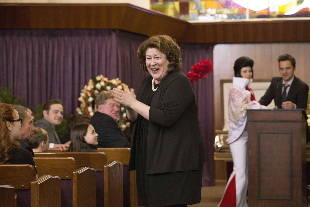 Ist mit der Trauerfeier ihres Mannes zufrieden: Bonnie (Margo Martindale) ... - Bildquelle: 2013 Twentieth Century Fox Film Corporation. All rights reserved