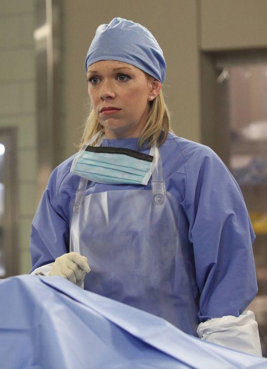 Dr. Rossi (Mary Elizabeth Ellis) - Bildquelle: Beth Dubber 2013 NBC Studios LLC. All Rights Reserved. / Beth Dubber