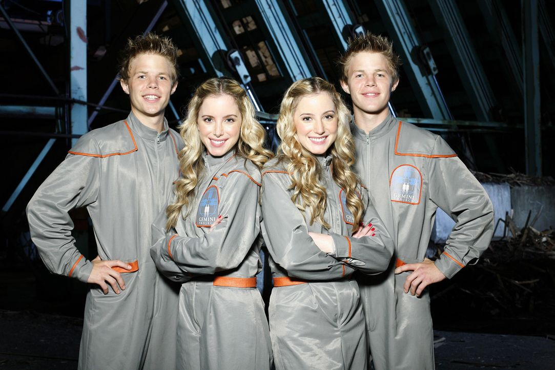 Im Gemini Institute befreunden sich Cody und Zack mit zwei weiteren Zwillingspaaren, Nellie (Katelyn Pacitto, 2.v.l.) und Kellie (Kara Pacitto, 2.v.... - Bildquelle: 2010 Disney Enterprises, Inc. All rights reserved.