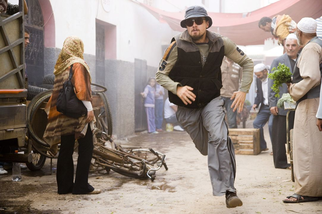 Jagt eine neue Leitfigur der Terrorszene, die den Erdball mit einem Bombenteppich überzieht und dabei selbst der CIA immer wieder ein Schnippchen s... - Bildquelle: Warner Brothers