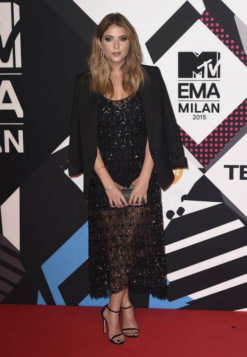 MTV-Europe-Music-Awards-2015-Ashley-Benson-wenn - Bildquelle: James Watkins/WENN.com
