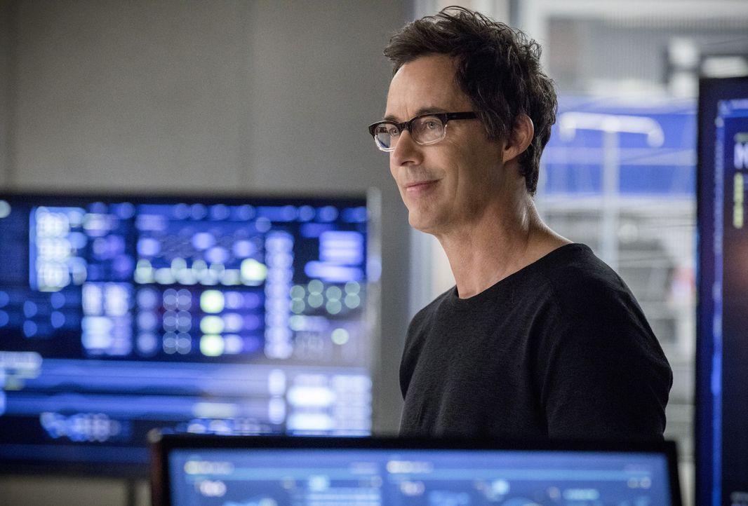 Harry (Tom Cavanagh) offenbart seinen Freunden, dass seine Intelligenz mehr und mehr schwindet. Wie wird Team Flash darauf reagieren? - Bildquelle: 2017 Warner Bros.