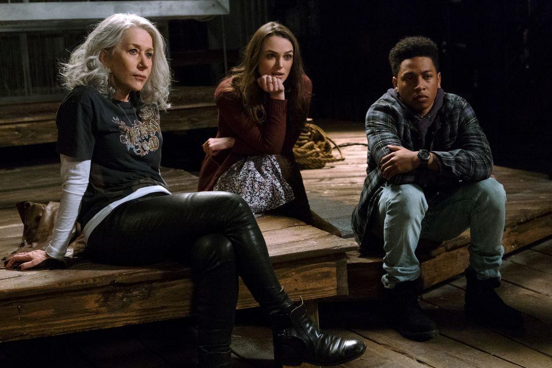 (v.l.n.r.) Brigitte (Hellen Mirren); Aimee Moore (Keira Knightley); Raffi (Jacob Latimore) - Bildquelle: Warner Bros.