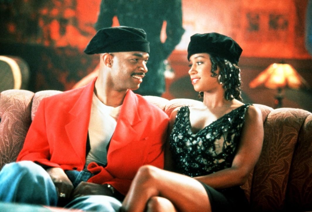 Kleingauner Johnny (Damon Wayans, l.) verliebt sich in die attraktive Amber Evans (Stacey Dash, r.). Das wäre an sich nicht schlimm, wenn Amber nic... - Bildquelle: Columbia Pictures